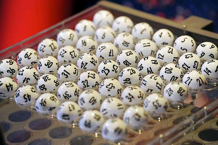 Dàn đề 9 con trong 3 ngày là một cách chơi đề mà chọn ra một dãy số gồm 9 con số, được đánh liên tiếp trong 3 ngày