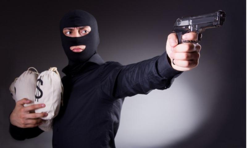 Trộm cắp tùy vào tính chất, giá trị tài sản mà người ăn trộm có thể bị xếp vào hành vi vi phạm pháp luật