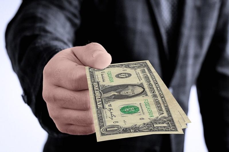 Mơ thấy người khác cho tiền