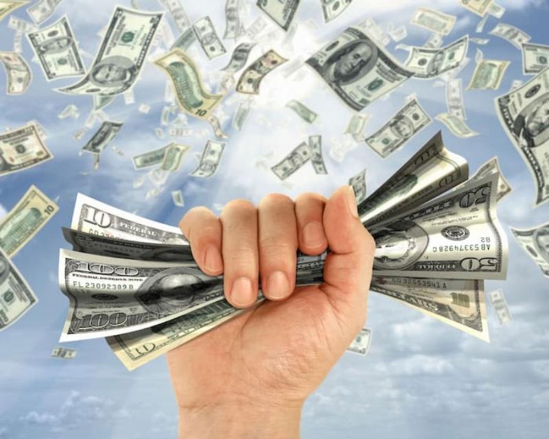 Chiêm bao thấy nhiều tiền đang bay